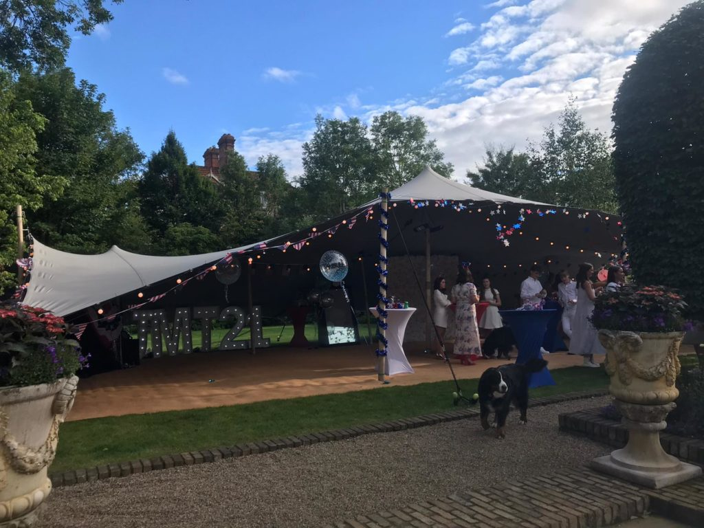 21st Large stretch tent
